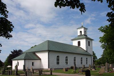 Denna bild har ett alt-attribut som är tomt. Dess filnamn är Enslovs-kyrka-2012-foto-Elisabeth-Fagerberg.jpg